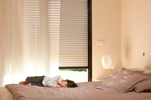 Automatyka: bezpieczne okno w pokoju dziecięcym